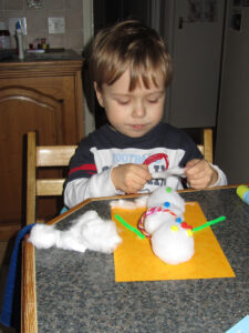 snowball fun, snowman fun indoors, winter crafts for children, photo