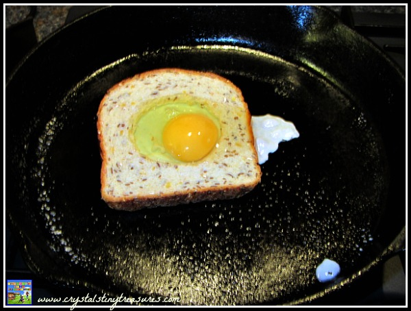 Breakfasts kids can make, eggs for breakfast, easy breakfast ideas for kids, photo