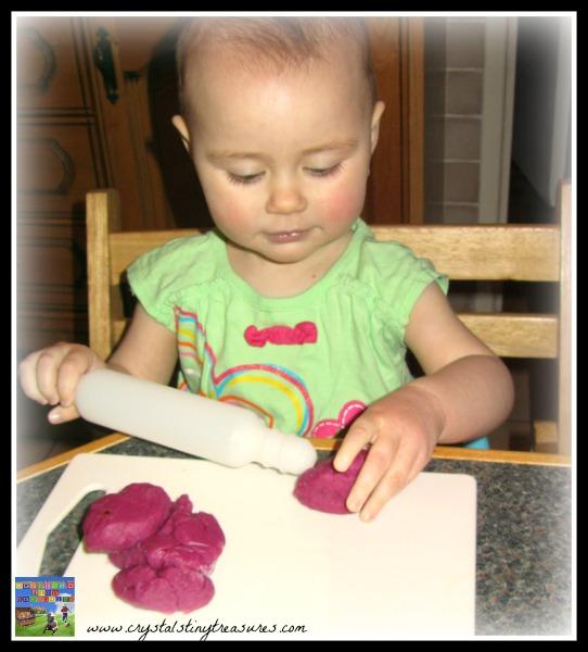 flattening, shapes, colours, senses, table fun,playdough, photo