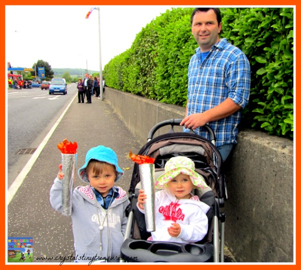 Waiting for the Olympic torch to pass, Olympic torch craft ideas, photo