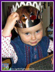 Islandmagee, Whitehead, Jubilee crown, craft activity, indoors fun, toddlers, pre-school, photo