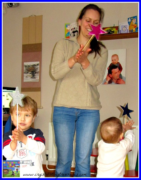Having fun with the kids during song time, ESL songs for toddlers and young children, photo