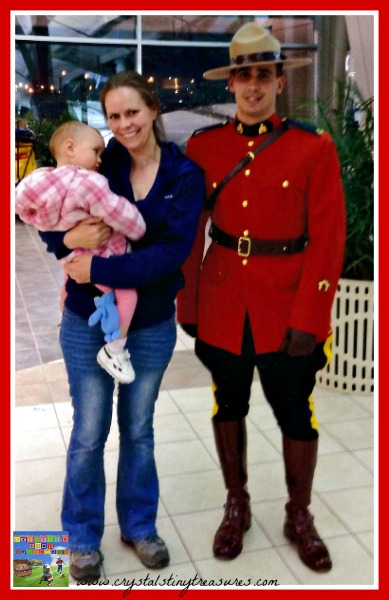 Regina RCMP at the airport, a real Canadian welcome, photo