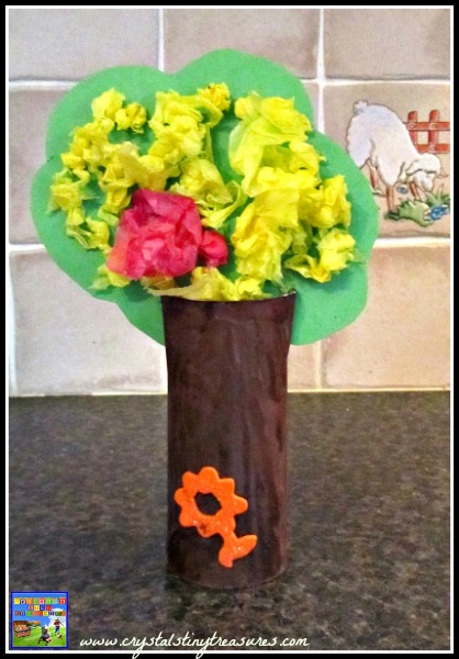 crafting with toddlers and children, easy craft, photo
