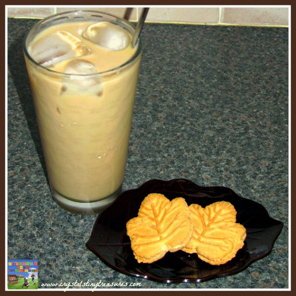 Make your own delicious iced coffee at home. Enjoy a rich summer treat on a sunny afternoon, photo