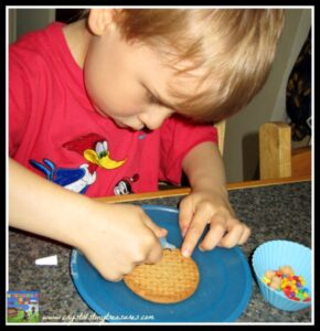 Cookie art for kids, kitchen fun for kids, rainy day snacks for kids, creative kid's snacks, Crystal's Tiny Treasures, photo