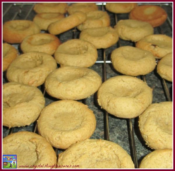 jam cookies, thimble cookies, almost shortbread cookies, photo