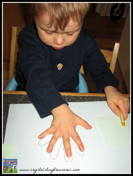 Handprint turkey, Thanksgiving traditions, photo