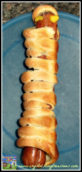 fun Halloween food for kids and adults, bone yard bread sticks, hot dog mummy, home-made Halloween party food, photo