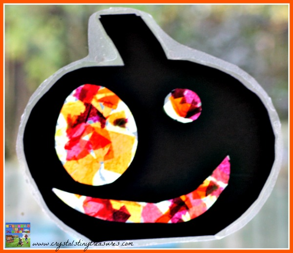 Halloween arts and crafts for toddlers and children, fun Halloween work with tissue paper, photo