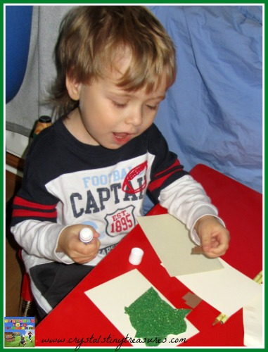 Children making Christmas cards, photo