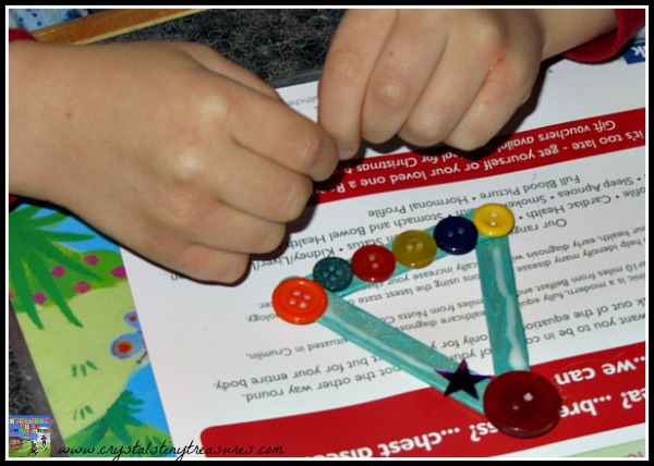 fine motor skills practice, sequencing, colour and shape recognition, kids crafting at Christmas