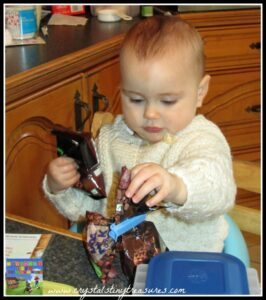 little hands in the kitchen, chocolate macaroon cookies, photo