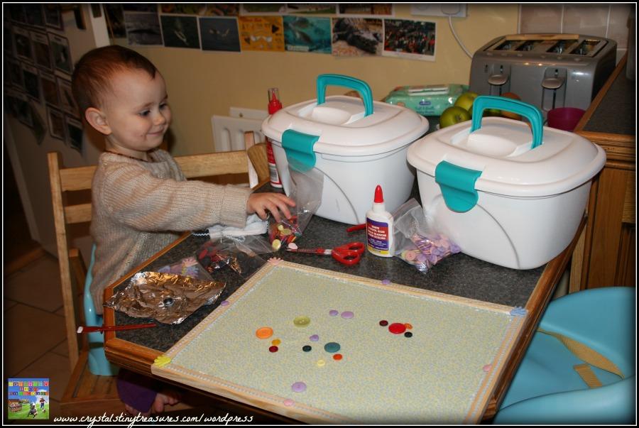 decorating a flannel board, nursery school activities, daycare activities, home school fun, photo