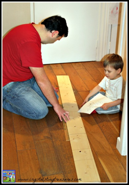 Making a bird box, father-son activities, helping nature, photo