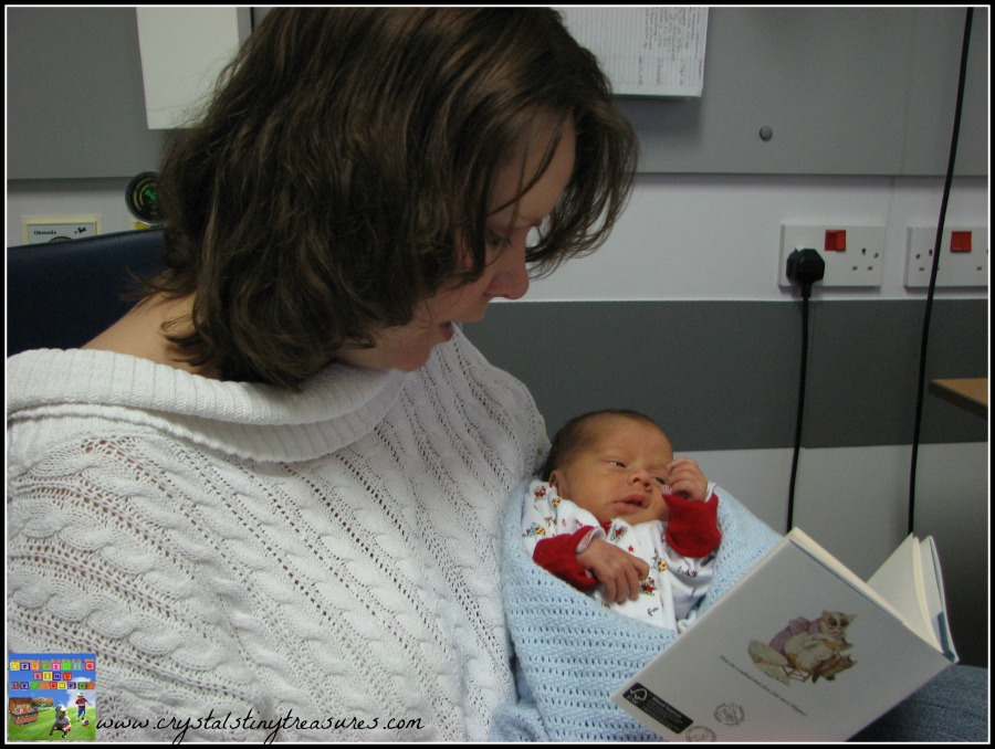 Bonding with your premature baby in the hospital, photo