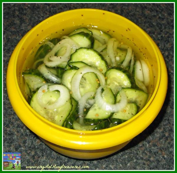 Quick pickle recipes, picnic recipes, photo