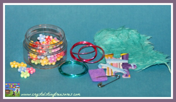 craft supplies to make a puzzle piece brooch, upcycling crafts, children's brooch, photo