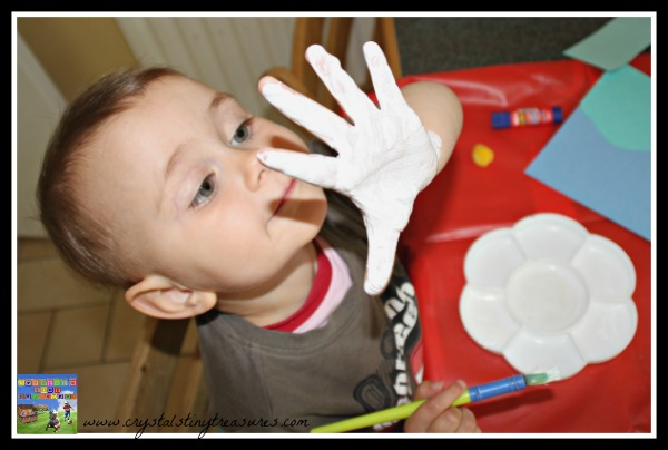 Painting is FUN, thumb print animals, thumb print art, bringing storybooks to life, photo