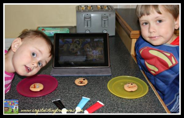 Pie-Rits! kids and food fun, daycare activities, childminding fun, preschool book activities, photo