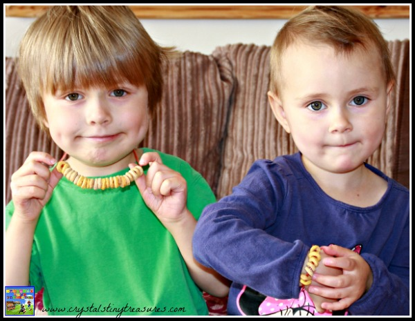 Fun friendship bracelet and necklace, Fun Valentine's day gift for kids, Childminding activities for kids, photo