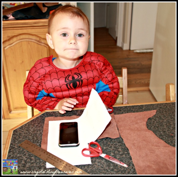 Making a leather handbag for a young girl, Crystal's Tiny Treasures, Craft ideas for children, useful crafts for kids, photo