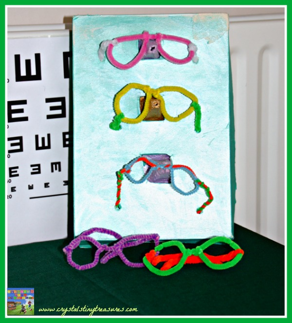 Optician's Stand, glasses stand, pretend play, role play, photo