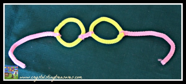 Pipe cleaner glasses style 2 finished, daycare craft ideas, learning about people, community helper crafts, photo