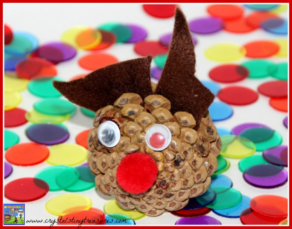 Pine Cone Rudolph Craft For Kids, Foraging crafts for kids, nature crafts for kids, quick crafts for kids, day care Christmas crafts, Childminding Christmas crafts, photo