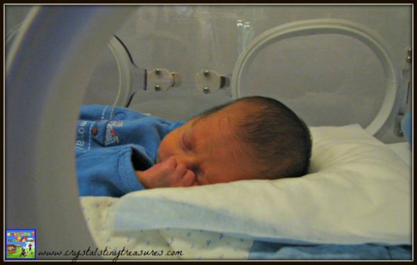 The first time we saw Tristan clothed, neonatal experiences, premature clothing, photo