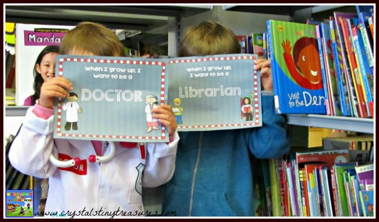Doctor & Librarian career ambition signs, fun photos for classrooms, learning about careers, end of year fun for kids, photo