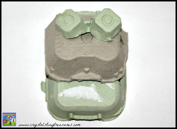 Egg carton frog assembly, daycare crafts, recycling crafts, photo