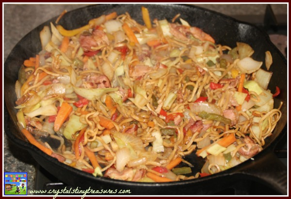 homemade yakisoba stir fry, Japanese food at home, healthy dinners, photo