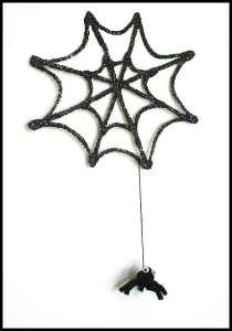 spider-hanging-on-web