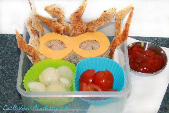 A Superhero Bento for my son made me a Supermom for the day!