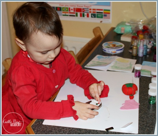 Making Christmas fun for preschoolers by making tree ornaments