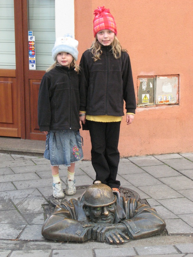 Traveling Europe with kids is a wonderful experience, Ashley Steel guest posts on Castle View Academy homeschool