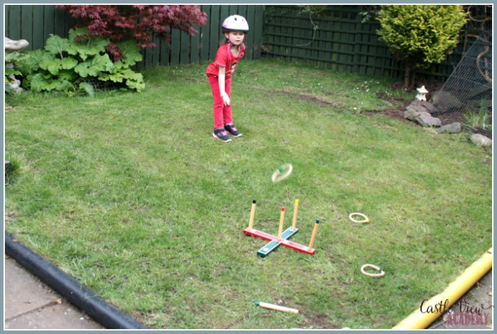 Ring Toss is a great way to get outside and play with Castle View Academy and elsastoplast