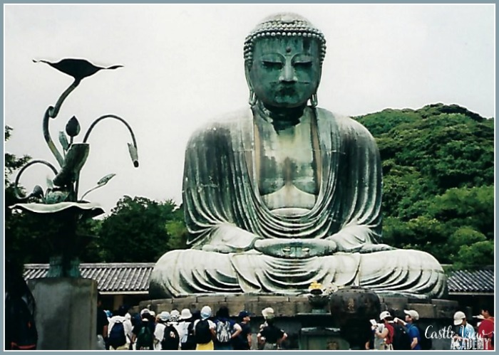 Kamakura Daibutsu (Buddha) in Japan with Castle View Academy homeschool, Japan travel