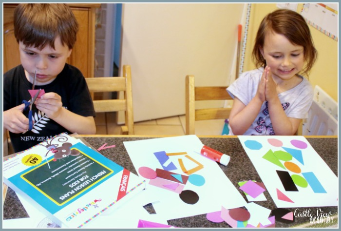 Learning shapes and colours in Frech with Whistlefritz at Castle View Academy homeschool