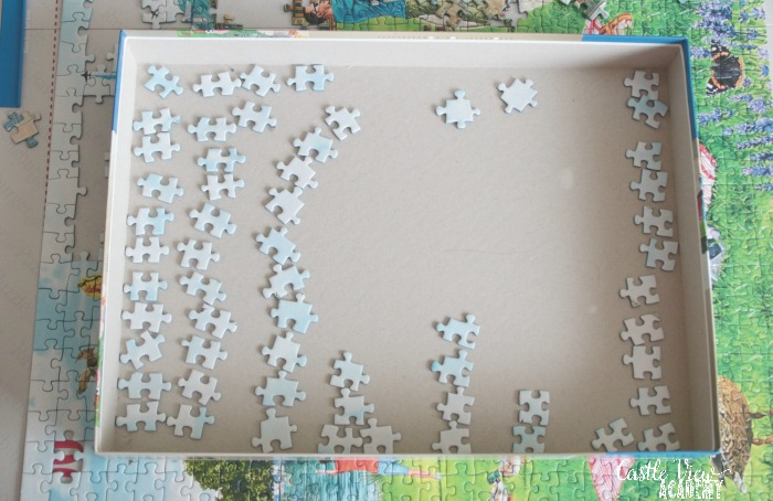 Castle View Academy organises their puzzle pieces