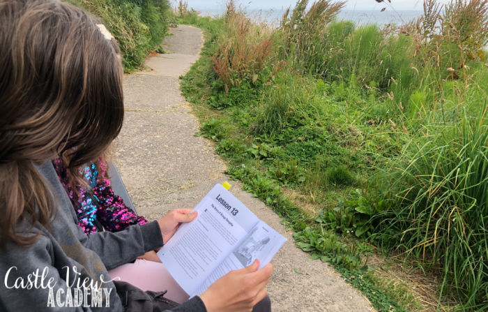 Learning to think critically by the sea